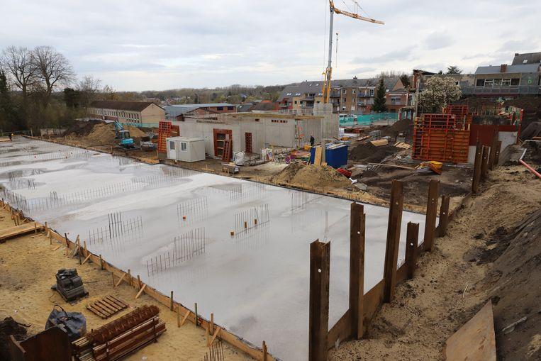 De werken voor de bouw van de nieuwe basisschool Picpussen uit Tongeren zijn gestart. Vandaar werd de eerste steen gelegd.