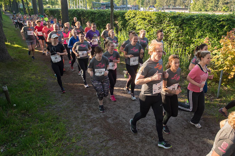 Meer dan vierhonderd sportievelingen doen mee aan de eerste editie van de Hardloop 4-daagse bij Sprint.
