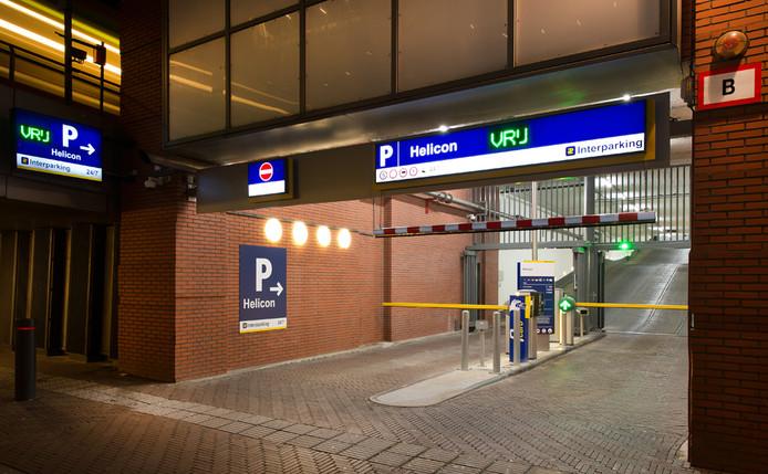 De ingang van parkeergarage Helicon aan de Zwarteweg in Den Haag