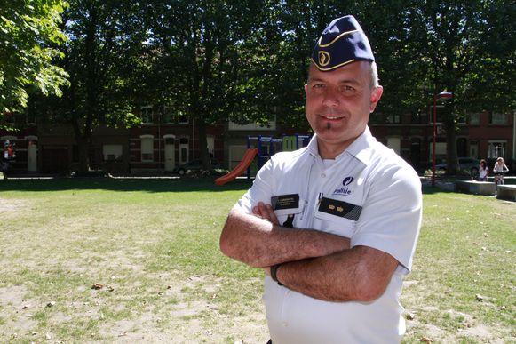 Commissaris Stefaan Vannieuwenhuyse (zone Grensleie) bevestigt dat politiemensen op het terrein meer en meer geconfronteerd worden met agressieve burgers.
