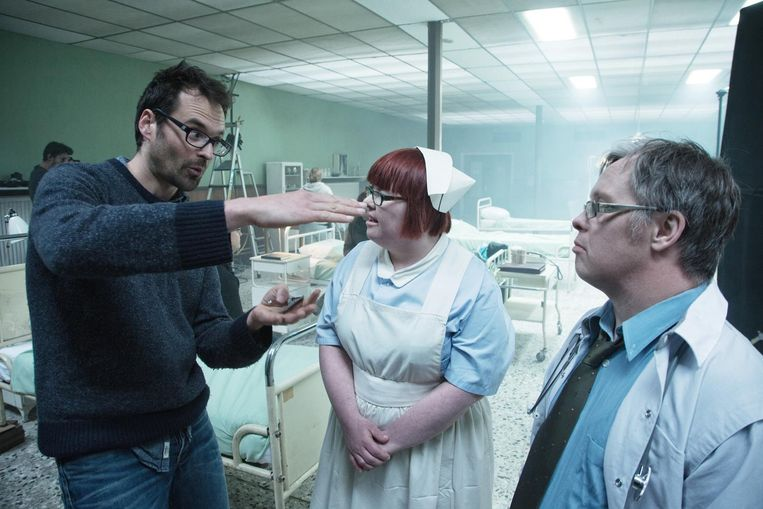Peter Ghesquière op de filmset van 'Downside Up', over een wereld waarin iedereen het syndroom van Down heeft.