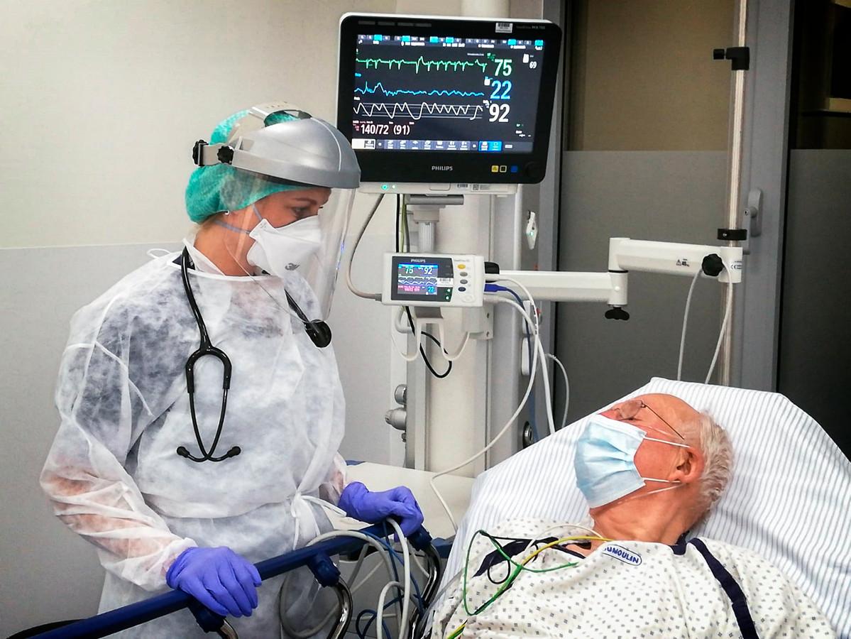 Roos America, de vrouw van Club Brugge-voetballer Ruud Vormer werkt als spoedarts in het Maria Middelares Ziekenhuis in Gent.