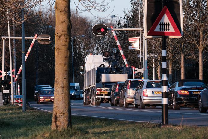 Hier zou een tunnel onder het spoor veel oplossen in Doetinchem.
