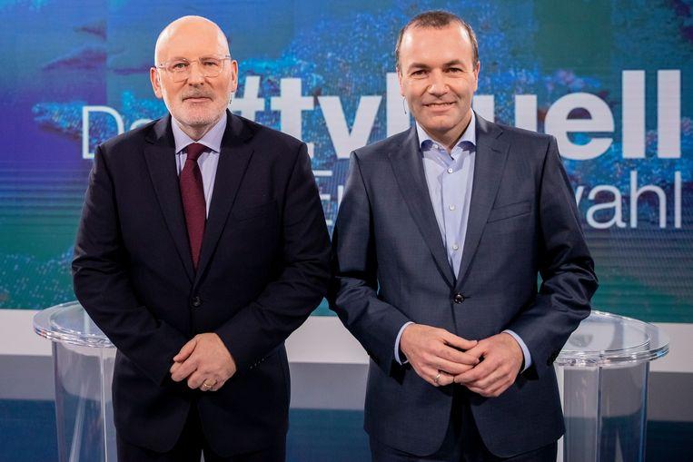 Manfred Weber (r.), 'Spitzenkandidaat' van de EVP, naast Frans Timmermans, zijn concurrent van de sociaaldemocraten van S&D.