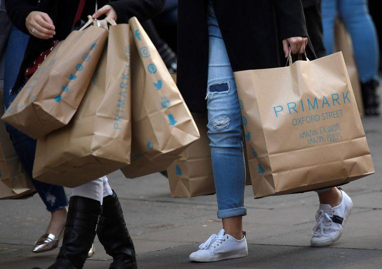 Spotgoedkope modemerken zoals Primark stimuleren de wegwerpcultuur.