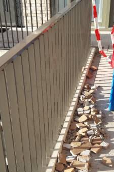 Opnieuw vallen stenen uit gevel Utrechts wooncomplex: 'Het was te verwachten'