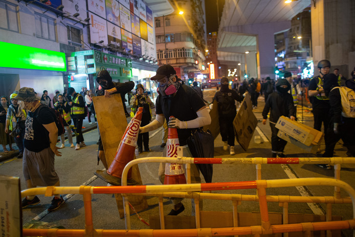Ook zaterdag kwam het in Hongkong tot confrontaties tussen betogers en politie.