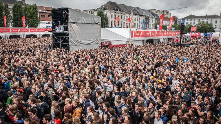 De studenten in Gent hebben het nieuwe academiejaar ingezet met de Student Kick-Off. Binnenkort zullen ook opnieuw dopen georganiseerd worden. Daarvoor zijn er sinds enkele jaren striktere afspraken gekomen.