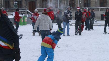 VIDEO. Het 'regent' sneeuwballengevechten: straks ook aan verlaagde Leieboorden