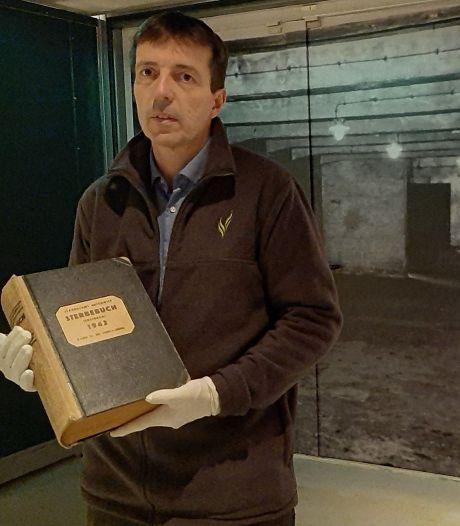 Uit vrees voor diefstal brengt Oorlogsmuseum Overloon twee bijzondere boeken terug