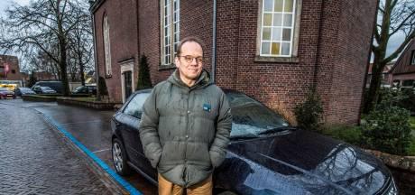 Bert (55) uit Enschede zat in schulden door auto's: 'Was een verslaving'