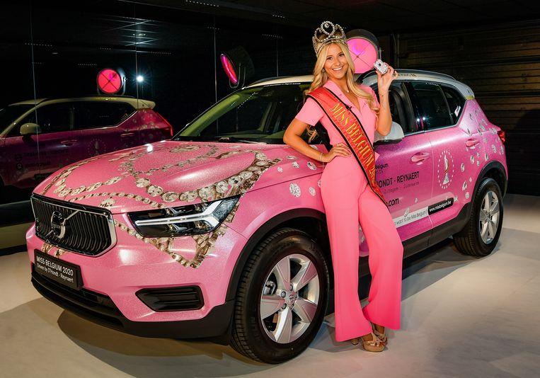 Miss België Celine Van Ouytsel met haar 'Pink Princess'