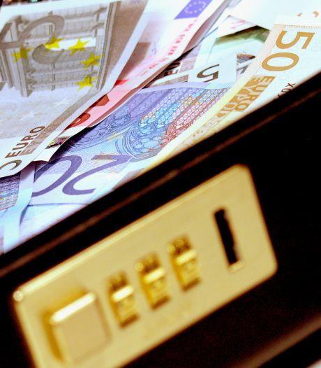 'Drugsbaron' uit Dinteloord kan fluiten naar cash en Mercedes