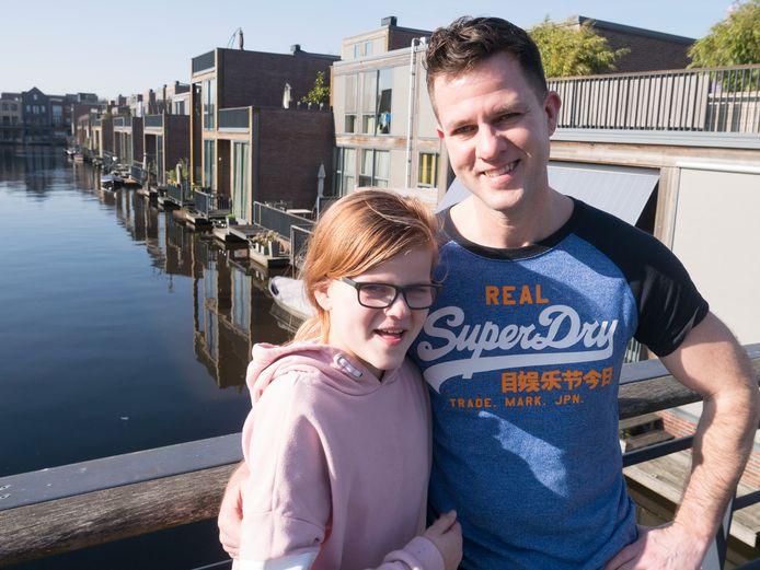 Franck Bakker en zijn dochter Joy verheugen zich op de komst van het buitensportpark in Vathorst. Bakker nam hiervoor het initiatief en gaat ook twee keer per week les geven.