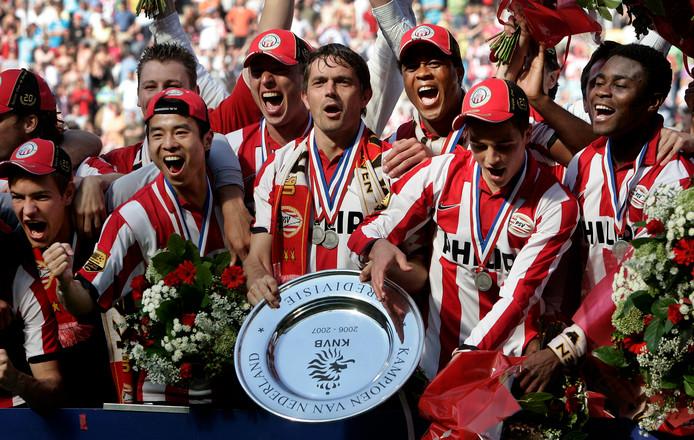 PSV werd in 2007 op de laatste speeldag kampioen met één doelpunt verschil.