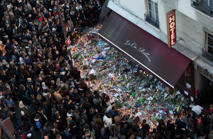 Bij de terreuraanslagen in Parijs vielen 130 doden. Met wapens gekocht in Nederland.