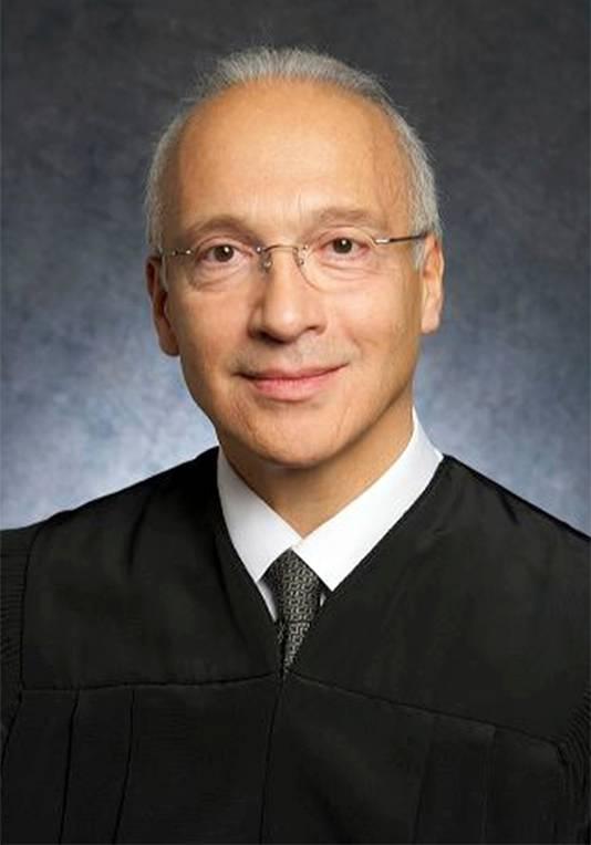De rechter die bevoegd is over het dossier van Donald Trump, Gonzalo Curiel.
