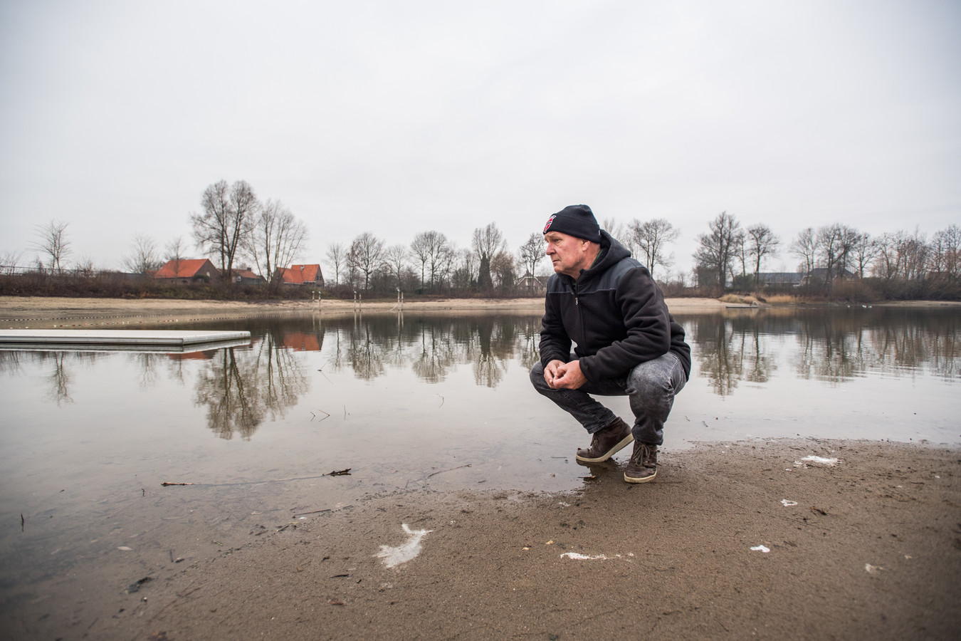 Willy Evers bij zwembad Walburgen in Gendt.
