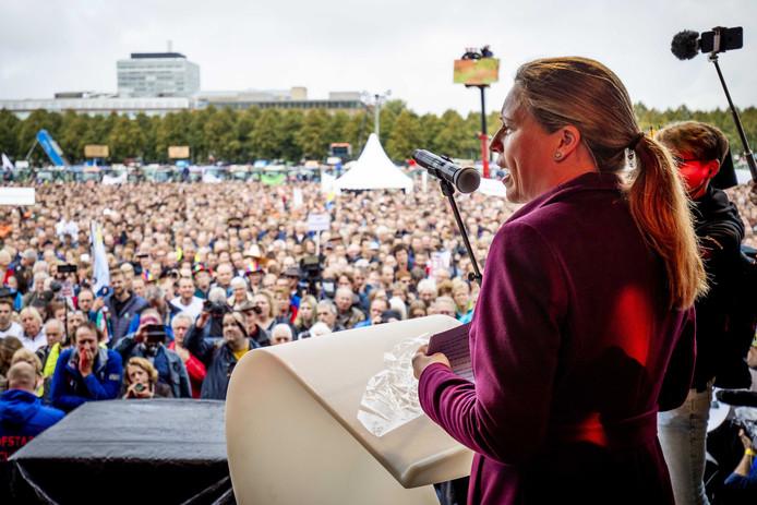 Minister Schouten op het malieveld tijdens het landelijk boerenprotest in oktober