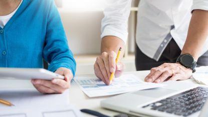 Vlaamse ambtenaren krijgen 50 à 60 euro meer per jaar