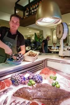 Het Wapen in Willemstad is omgetoverd tot swingend restaurant