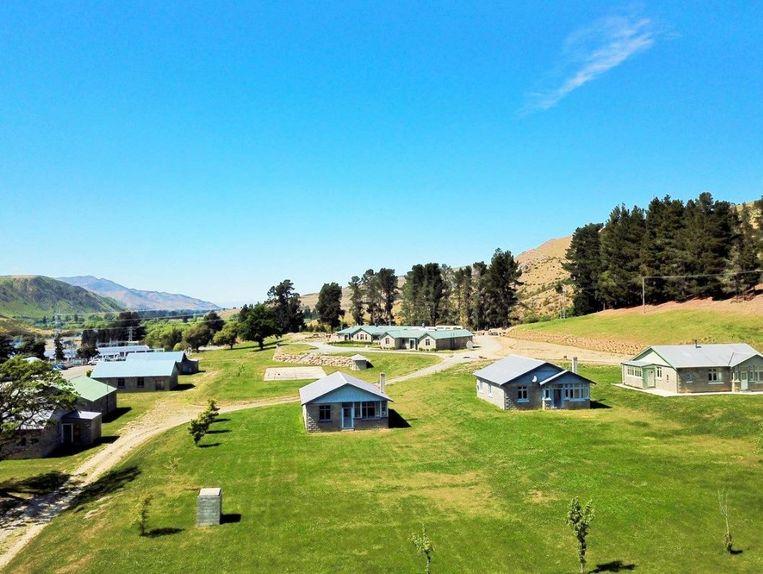 Het dorpje Waitaki aan het gelijknamige meer staat te koop in Nieuw-Zeeland.