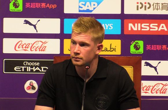De Bruyne op de persconferentie in China.