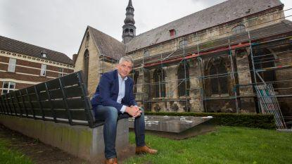 Start waterdicht maken van Begijnhofkerk, daarna volgt een volledige restauratie