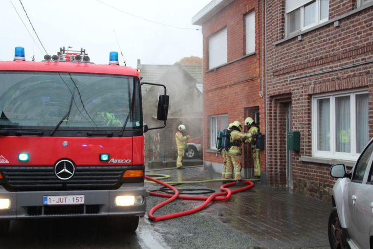 De woning was volledig gevuld met rook.