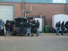 Politie valt binnen bij groot 'drugslab' in Lunteren, twee mannen aangehouden