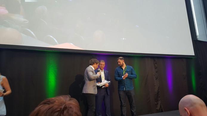 TV Enschede FM won vandaag de Lokale Omroep Award in de categorie Crossmediaal