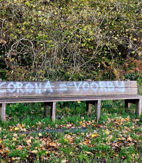 Tilburg heeft geen haast met verwijderen graffiti 'Corona = leugen'