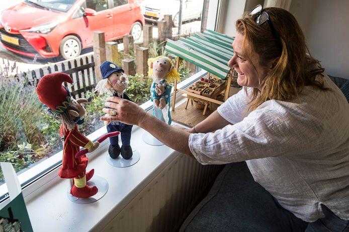 Het Speelgoedmuseum stalt stukken uit haar collectie bij mensen achter de deur, zoals bij Mary Ann Post.