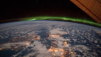 Zelfs 'Ierse hemel' kleurt groen voor St Patrick's Day