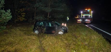 Inzittenden auto op de vlucht na ongeval A28