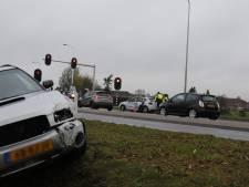 Automobilisten botsen in Oeffelt en komen met de schrik vrij