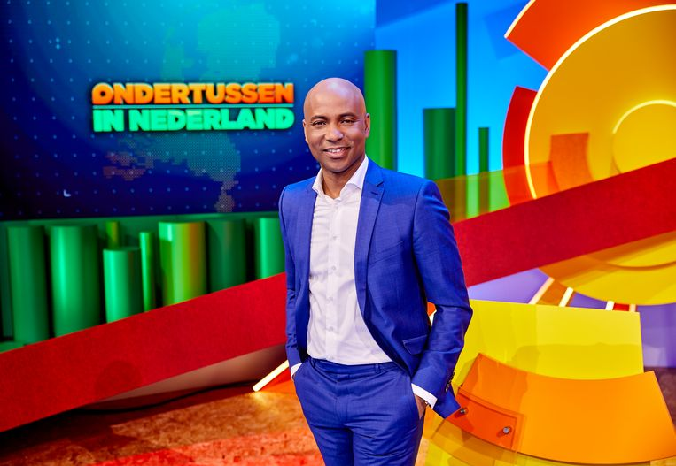 Humberto Tan presenteert 'Ondertussen in Nederland'. Beeld RTL / William Rutten