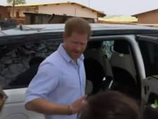 """Le Prince Harry rembarre une journaliste: """"Ne vous comportez pas comme ça"""""""