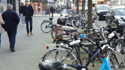 Stad maakt einde aan fietsenchaos in winkelstraten