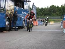 Mountainbiker Van Eck herovert Nederlandse sprinttitel