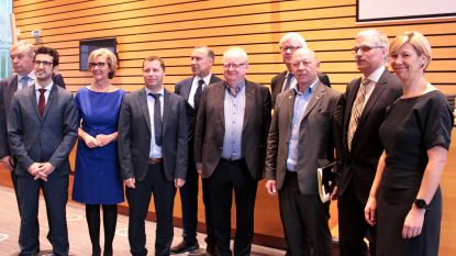 Wim Goossens legt burgemeesterseed af bij provinciegouverneur