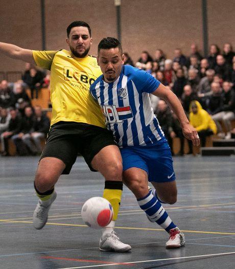Zaalvoetballers FC Eindhoven geven op beslissende momenten niet thuis