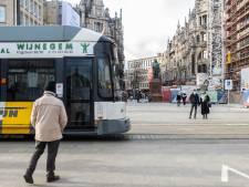 Vlaamse primeur: licht en geluid waarschuwen passanten voor tram op Operaplein