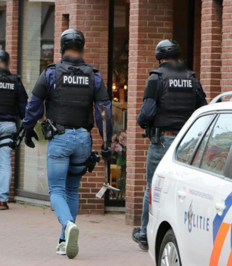 Tientallen kilo's drugs, auto's en cash in beslag genomen bij politieacties in Twente