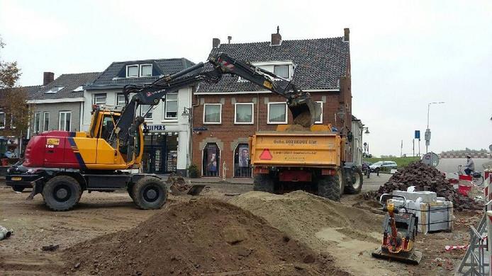 Werk aan de Markt in Huissen vlot gestaag. Foto DG