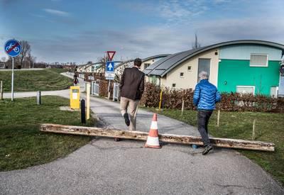 Sluimerend geschil bij watersportcentrum Maasbommel: slagboom als pispaaltje