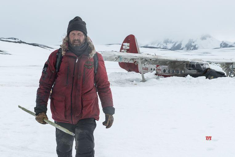 Mads Mikkelsen in Arctic. Beeld