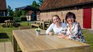 Moeder en dochter openen zomercafé in Klokhof