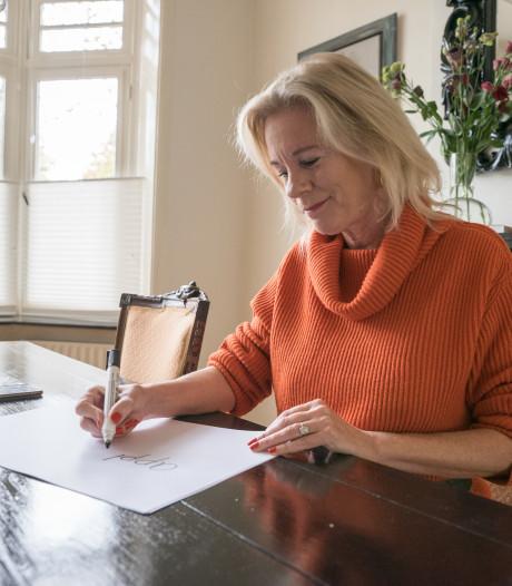 Burgemeester Zutphen doet mee aan Groot Dictee, hoe zit het met haar spelling?