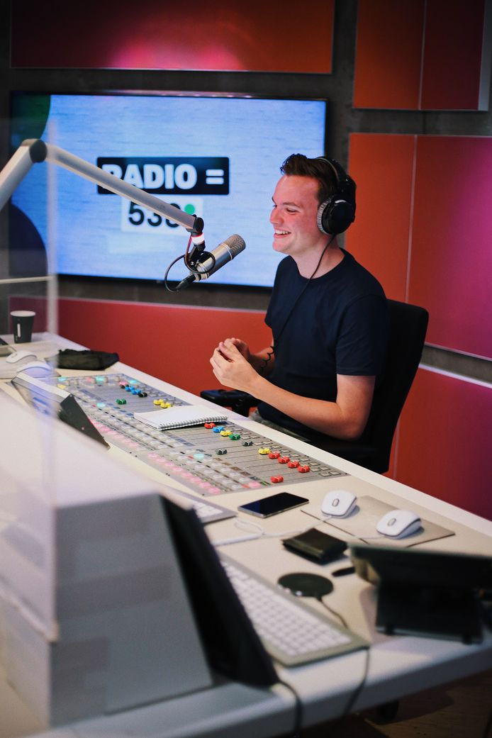 Mart Meijer in de studio van 538.